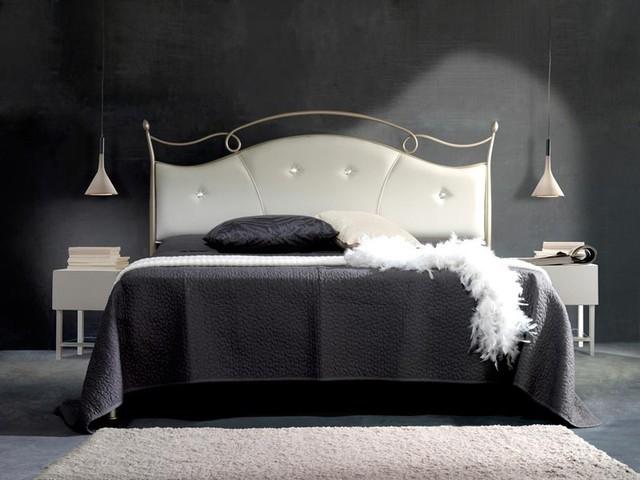 Letto venus imbottito con swarovski vendita on line di - Testata letto ferro battuto ...